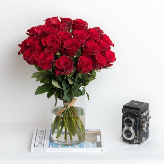 Ode à la Rose flower delivery Chicago