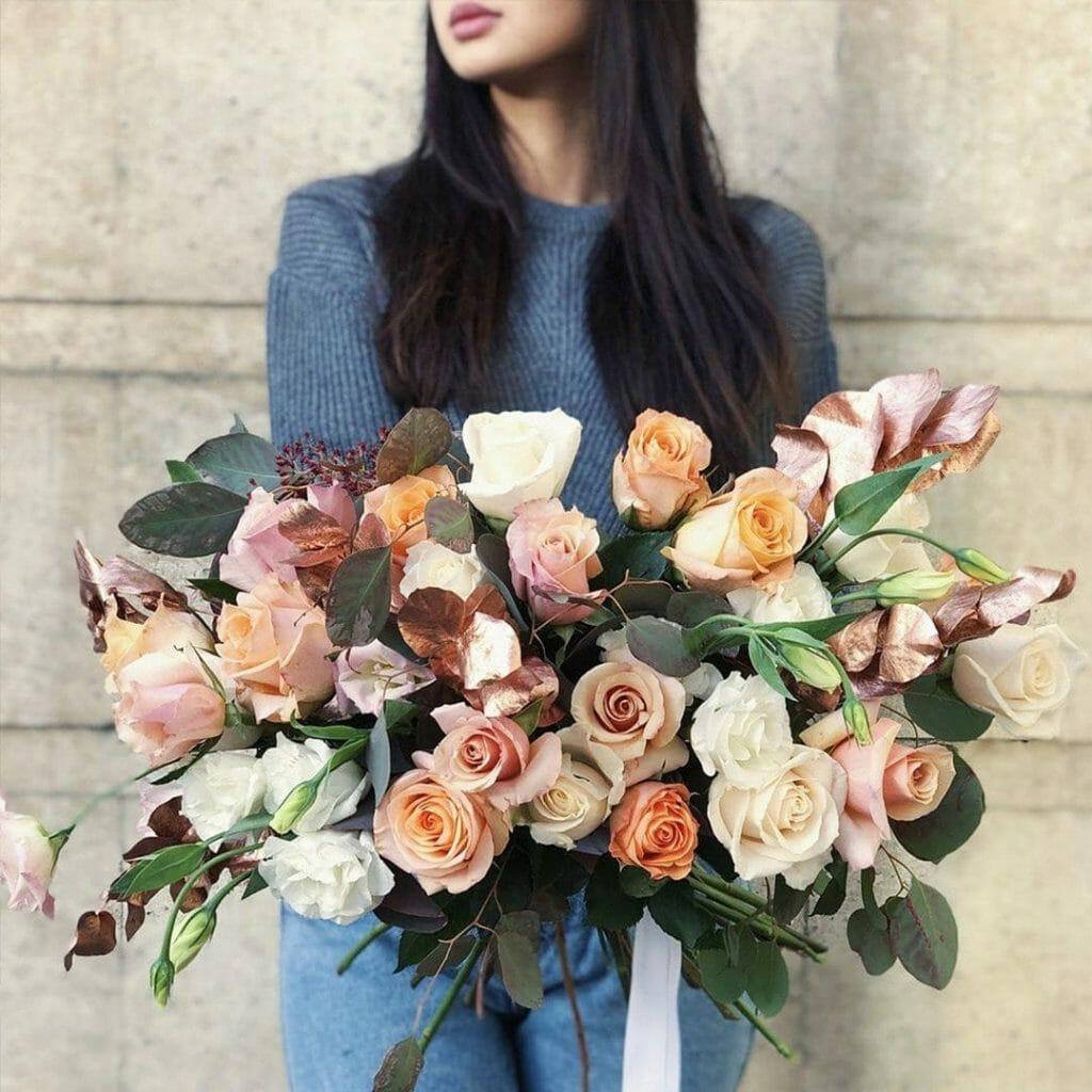Au Nom de la Rose Flower Delivery to Paris France