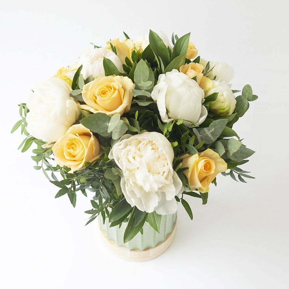 Monceau Flower Delivery to Paris France