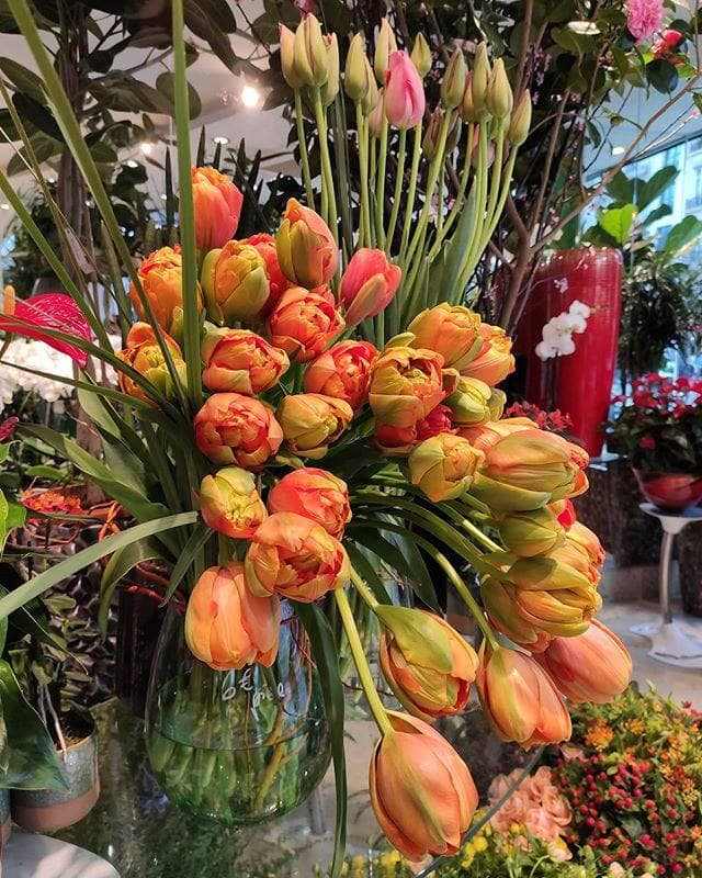 Rene Veyrat Paris Flower Delivery