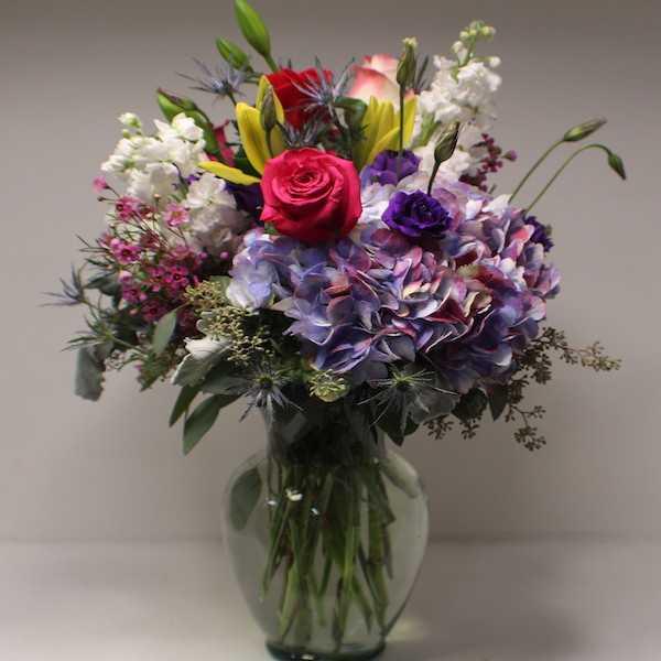 Hamilton's Florist Flower Delivery St. Petersburg Florida