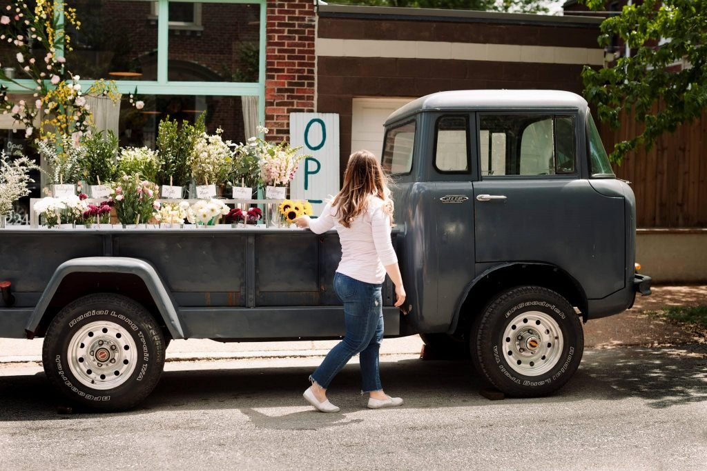 Rudy's Flower Truck Best flower delivery St. Louis