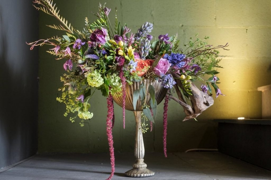 Tailored Twig Tampa Flower Delivery