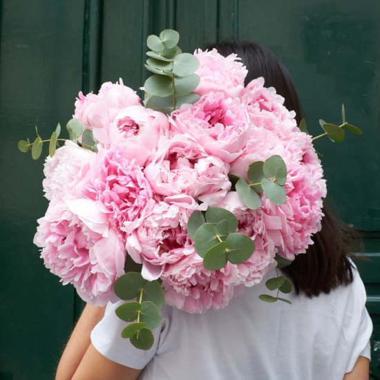 Ode a la rose same-day peony delivery in NYC