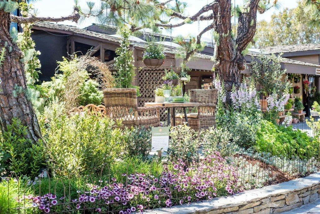 Roger's Gardens Los Angeles