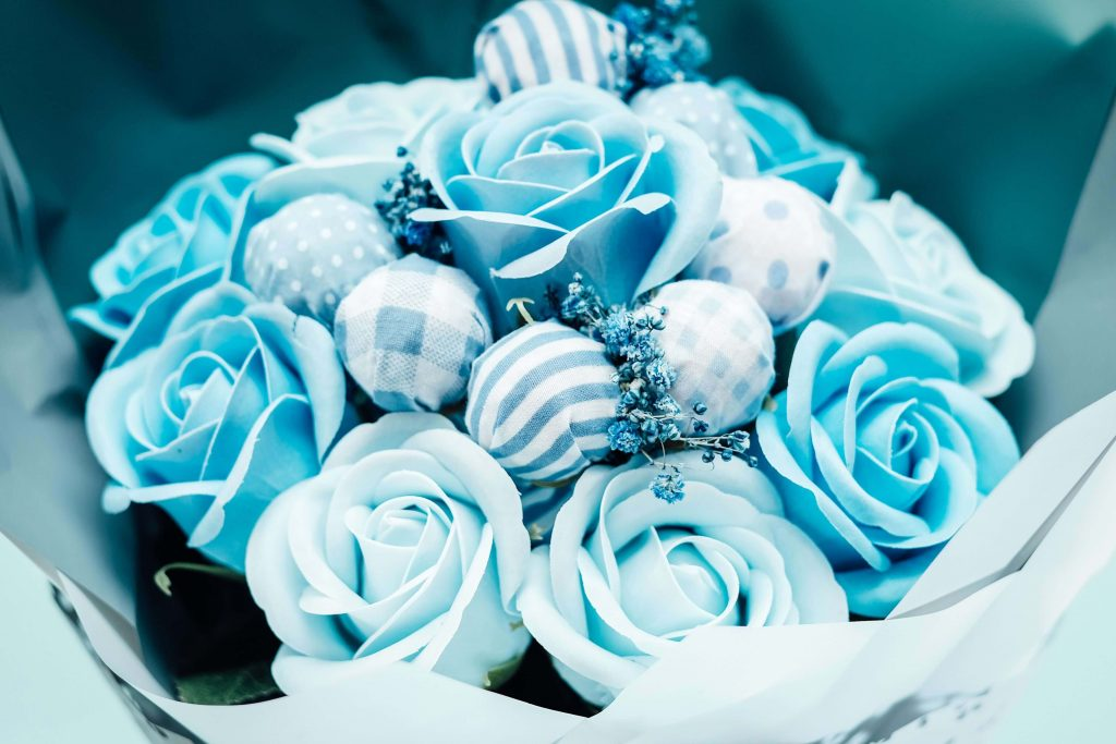 Blue rose flower meaning and symbolism