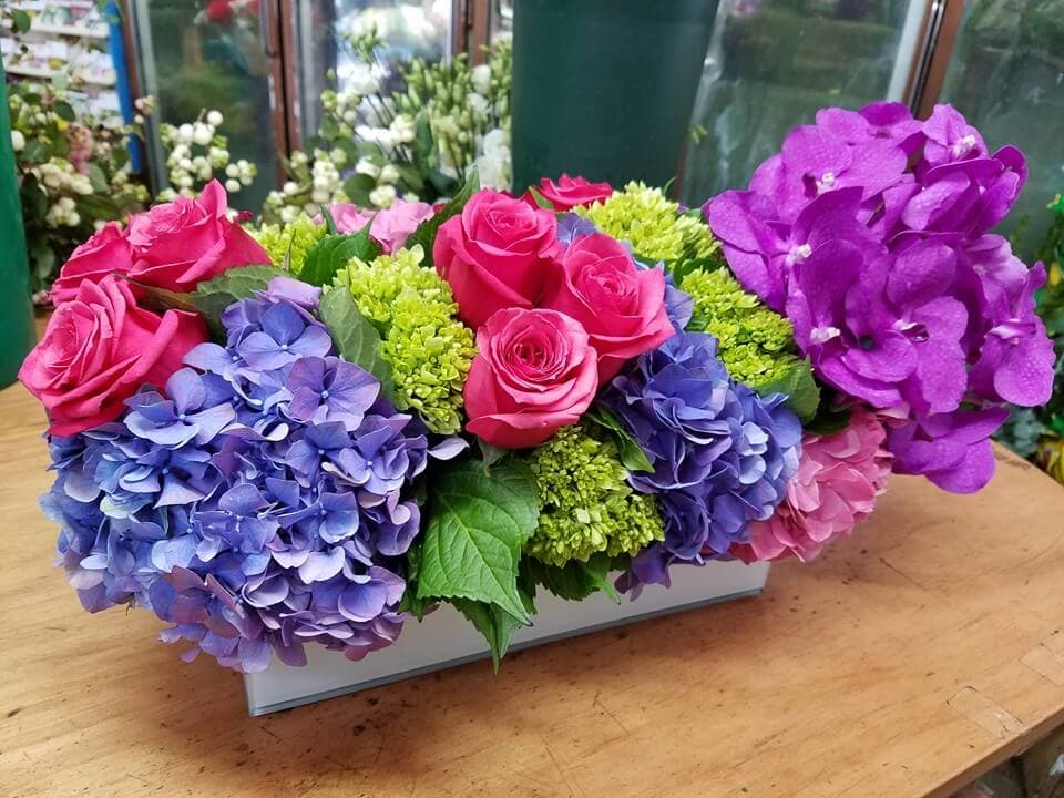 Nelly's Flower Shop in NYC offering Cheap and Affordable Flower Delivery to Brooklyn, Queens, and Manhattan in NYC