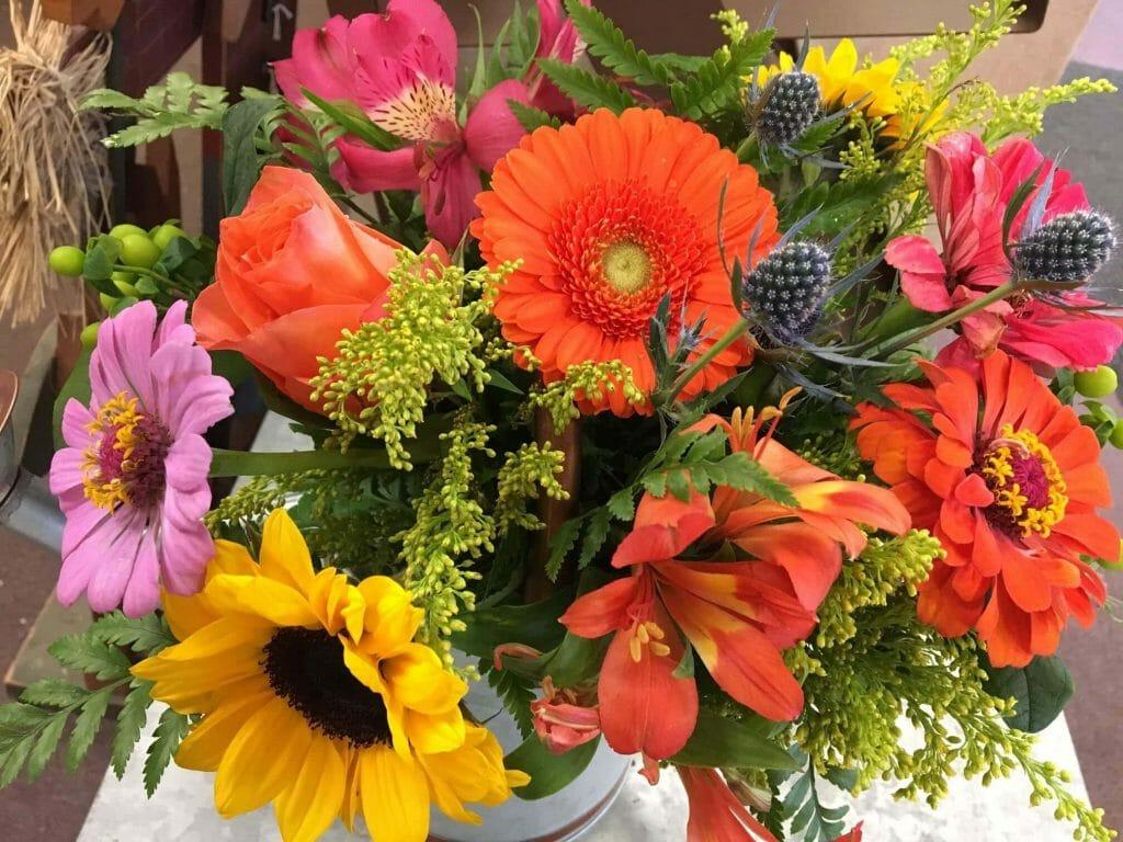 Becky's Custom Flower Creations Flower Shop in Syracuse NY