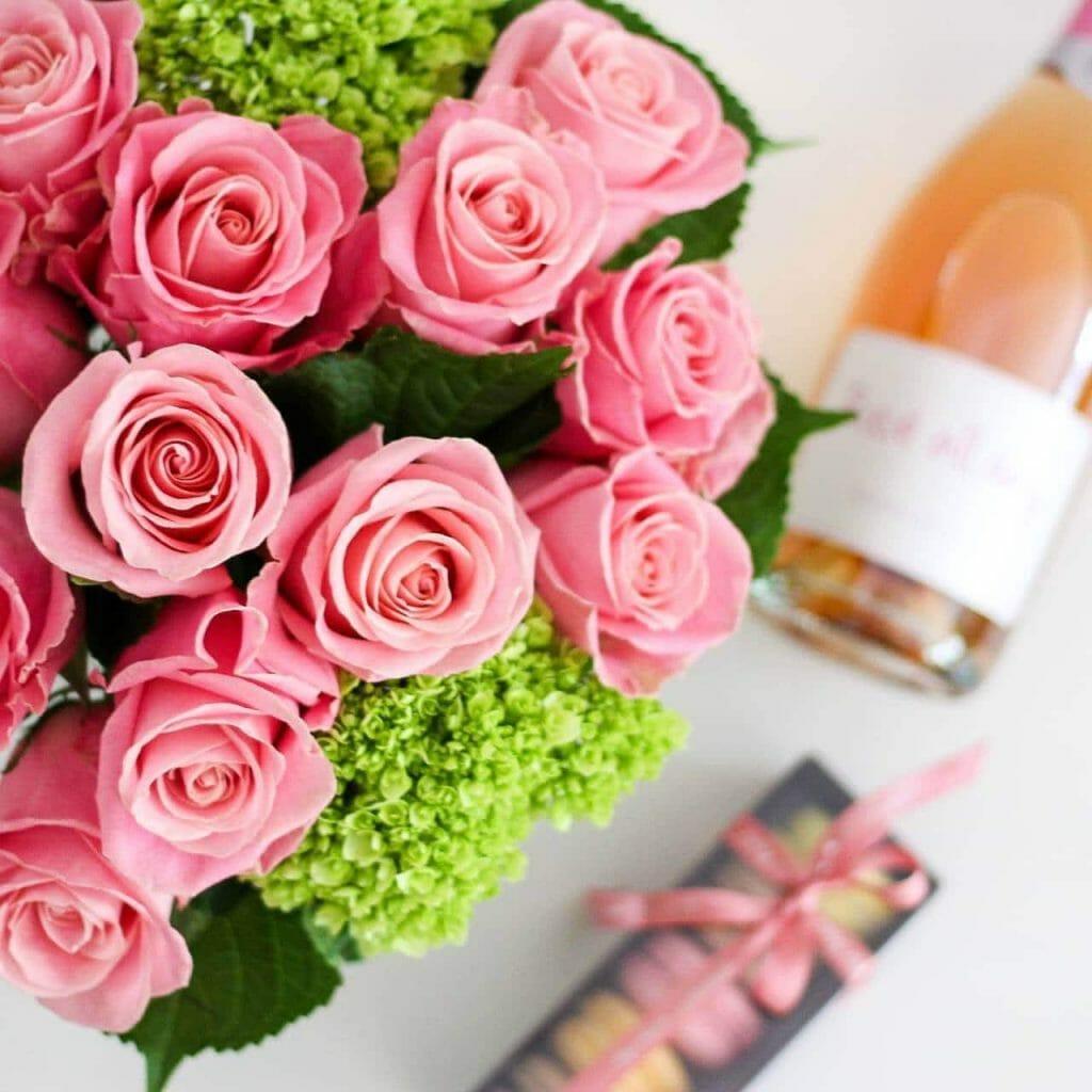 Fleur de Lis Rose Delivery in Chicago