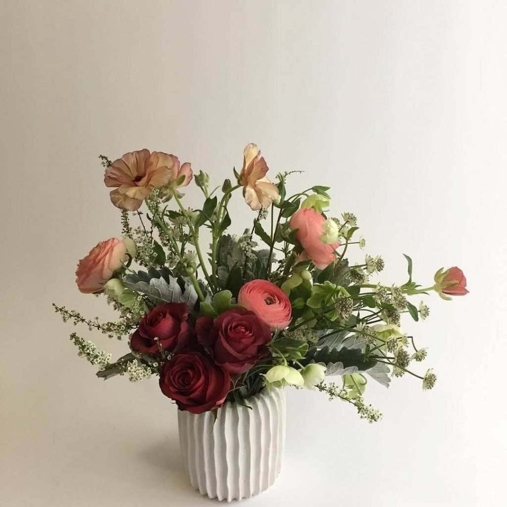 Marguerite Gardens Roses Delivery in Chicago