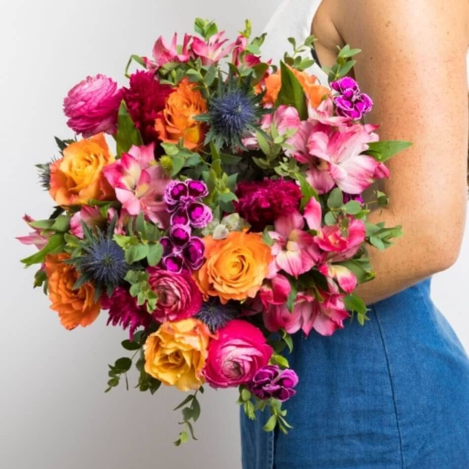Ode a la Rose Flower Bouquet Delivery in Oklahoma City