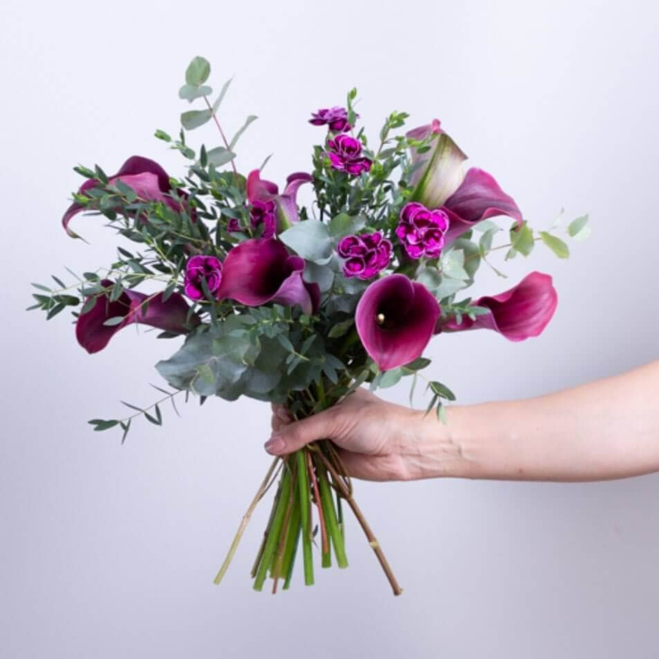 Ode a la Rose Flowers for Delivery in Indianapolis IN