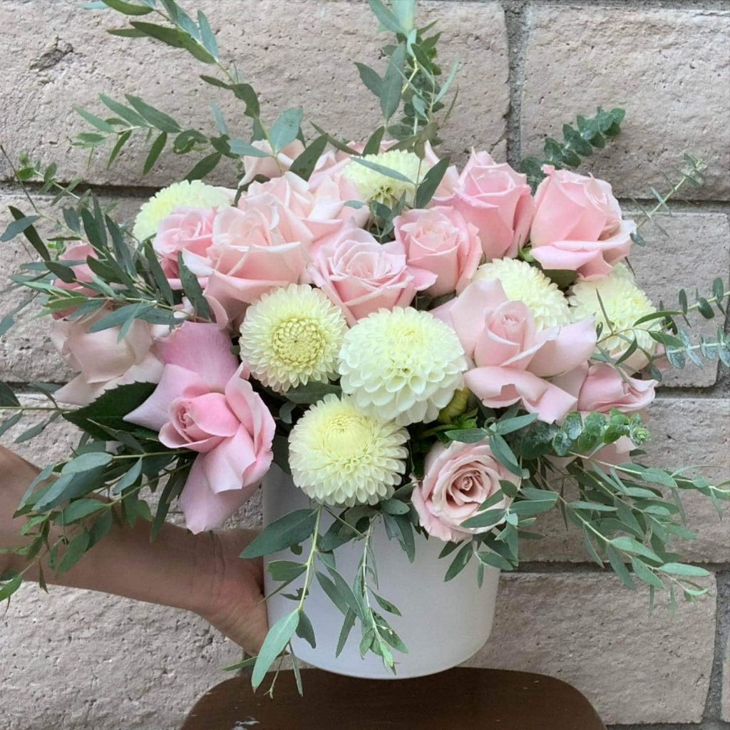 The Plum Dahlia Rose Flower Arrangements for delivery in Los Angeles, CA