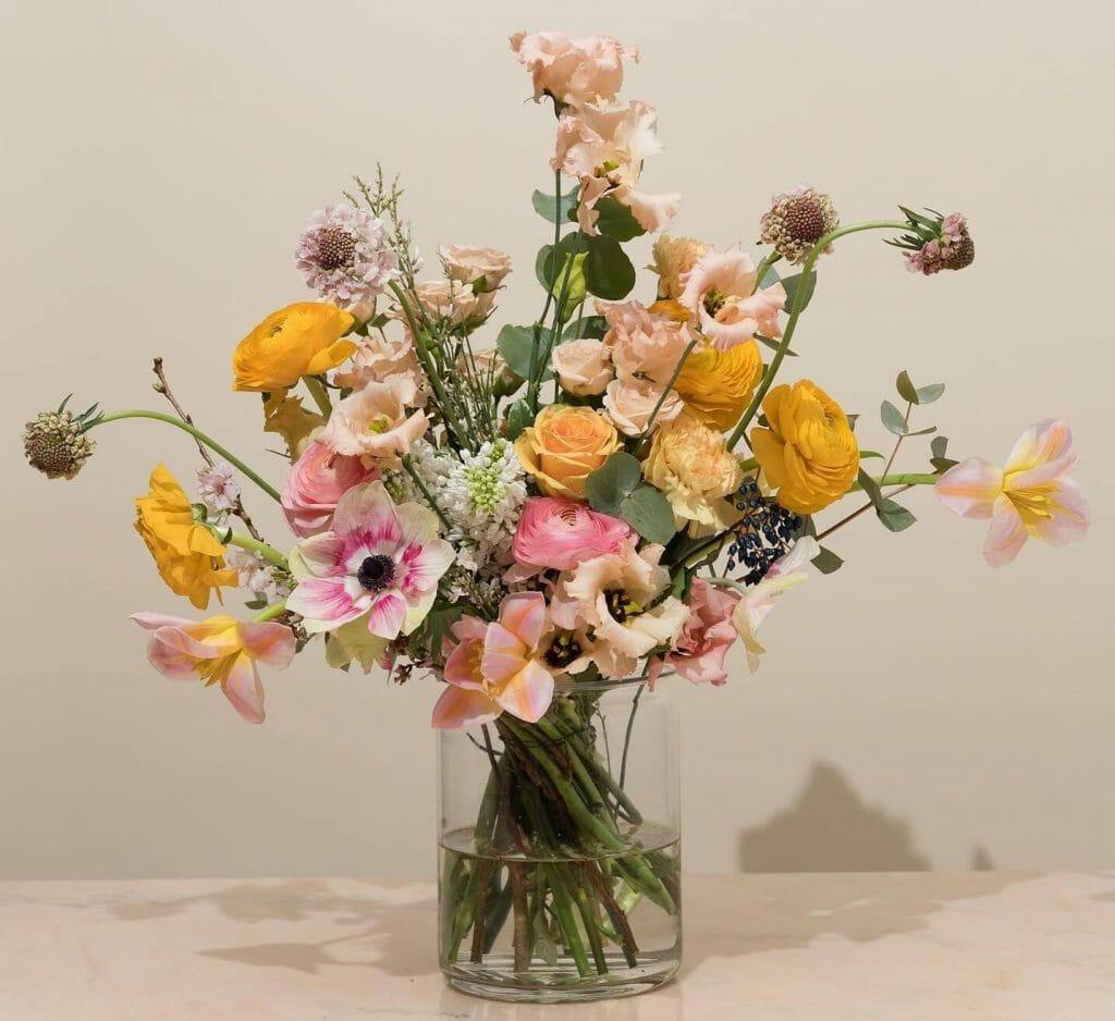 Floom Flower Delivery in Bellflower CA