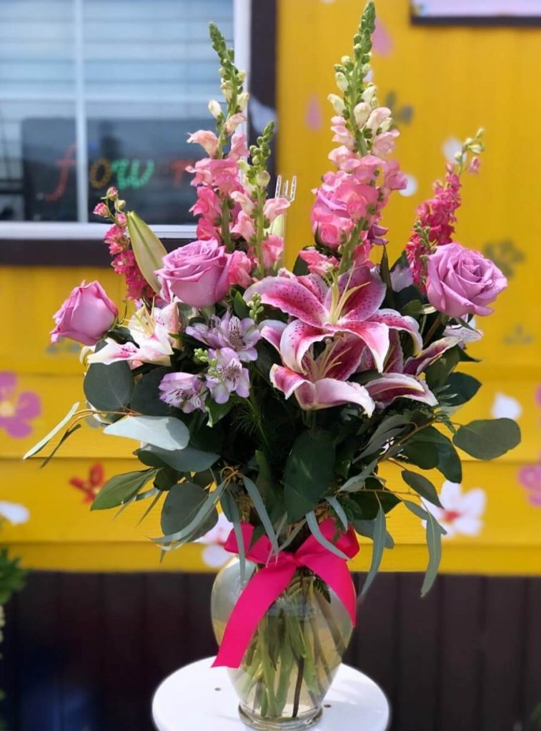 Gonzalez Flower Shop and Flower Delivery in Lancaster, CA