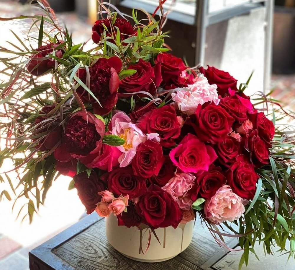 Laazati Flowers in Glendale, California