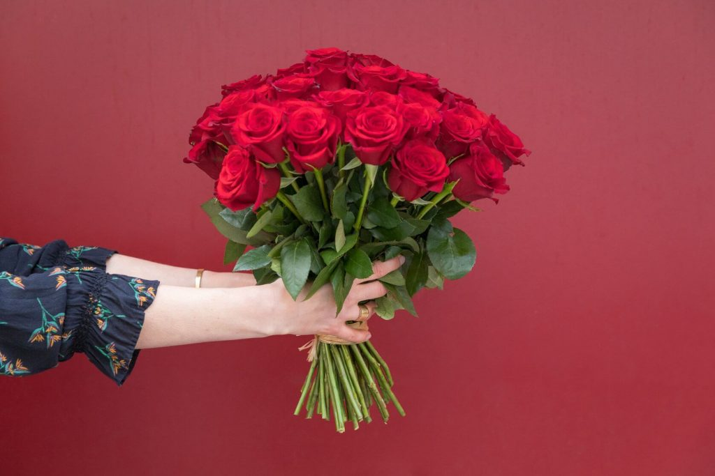 Ode a la Rose Flower Delivery in Gardena, CA