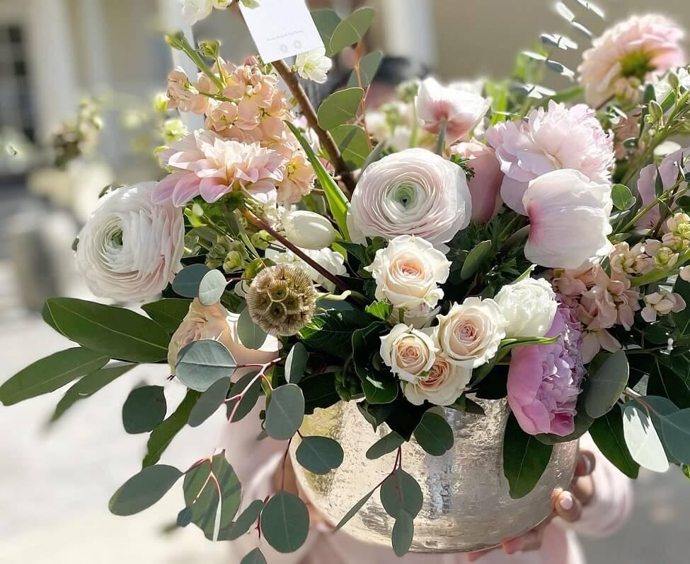 Aquarela Gifts & Flowers in Monrovia, CA