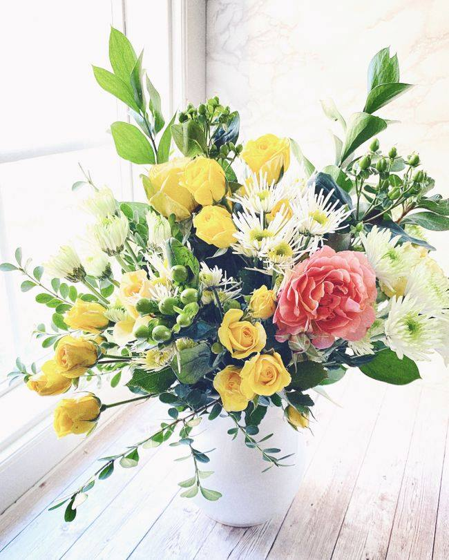 BloomsyBox Monthly Flower Subscription Box in the USA