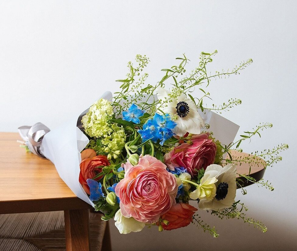 Floom Flower Delivery in La Verne, CA