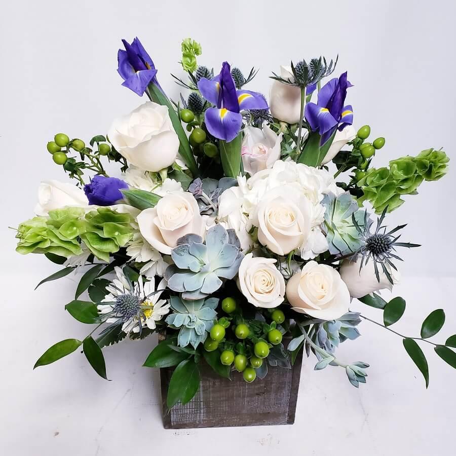 Louis Garden Florist and Flower Delivery in La Mirada, CA