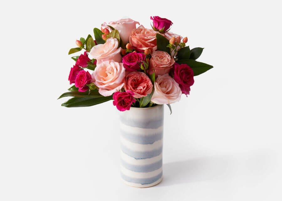 UrbanStems Flower Delivery in Brentwood, Los Angeles