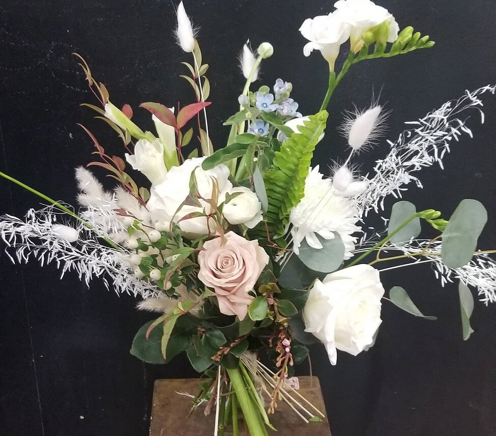 Cerrito Hills Florist and flower delivery service in Hawaiian Gardens, CA