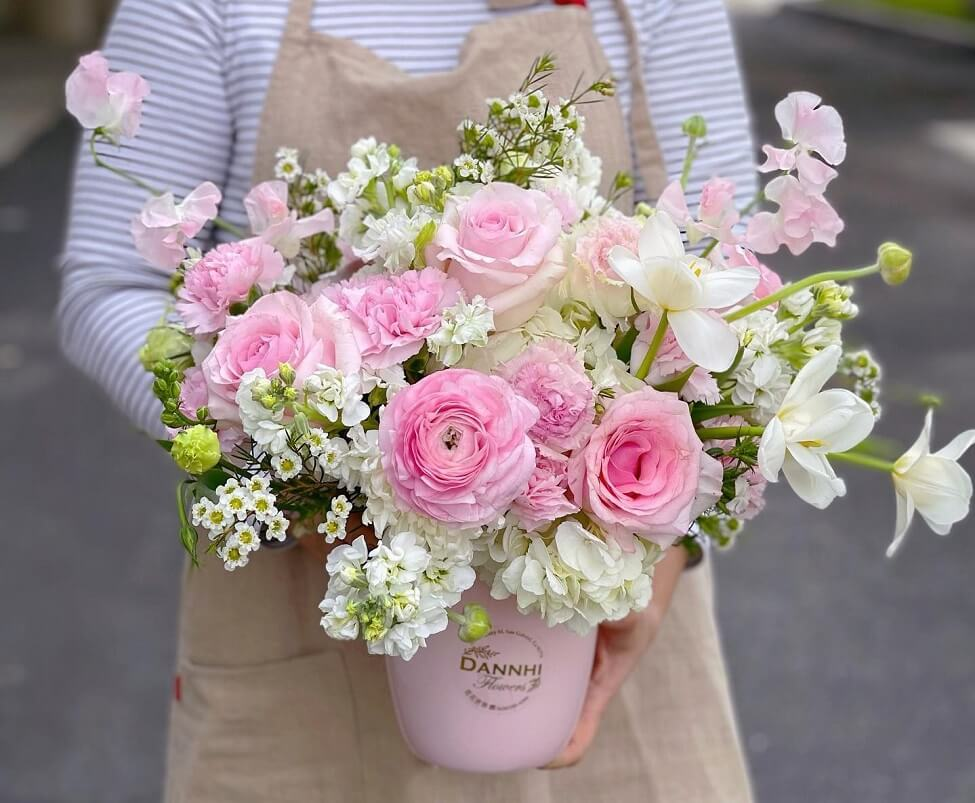 Dan Nhi Flowers and Gifts Delivery in South El Monte, CA