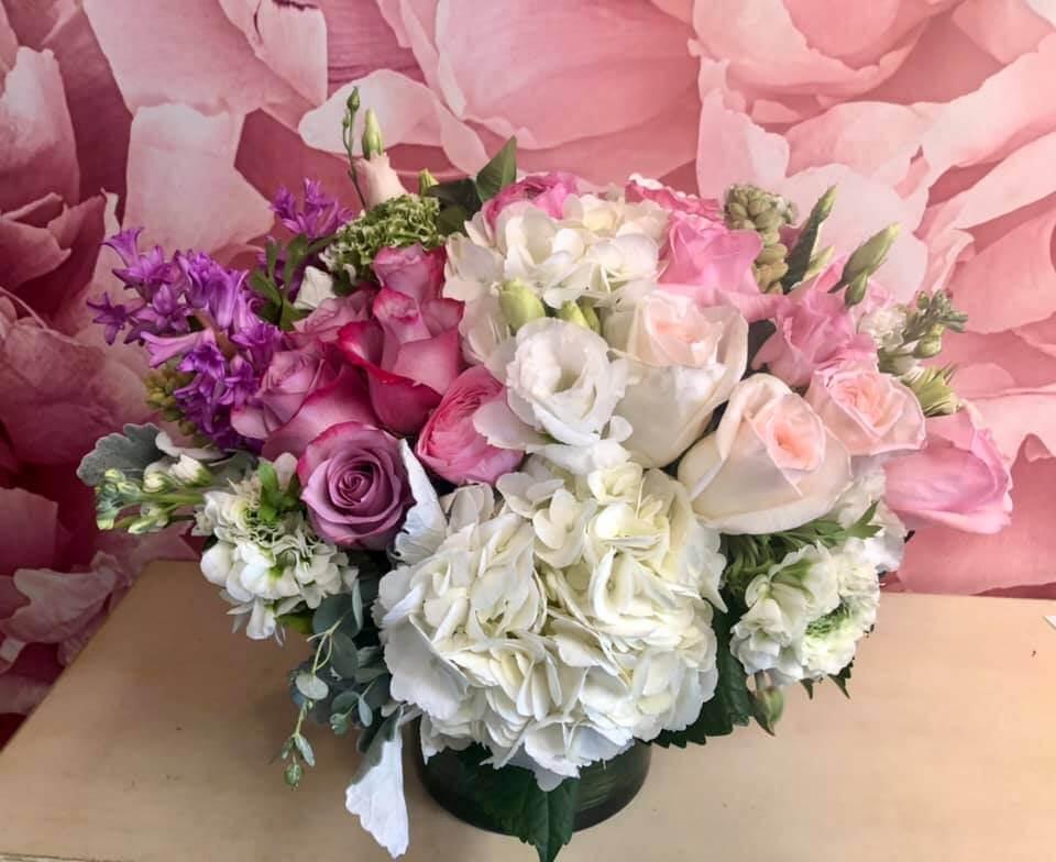 Dee's Flowers Same Day Florist in Studio City, CA
