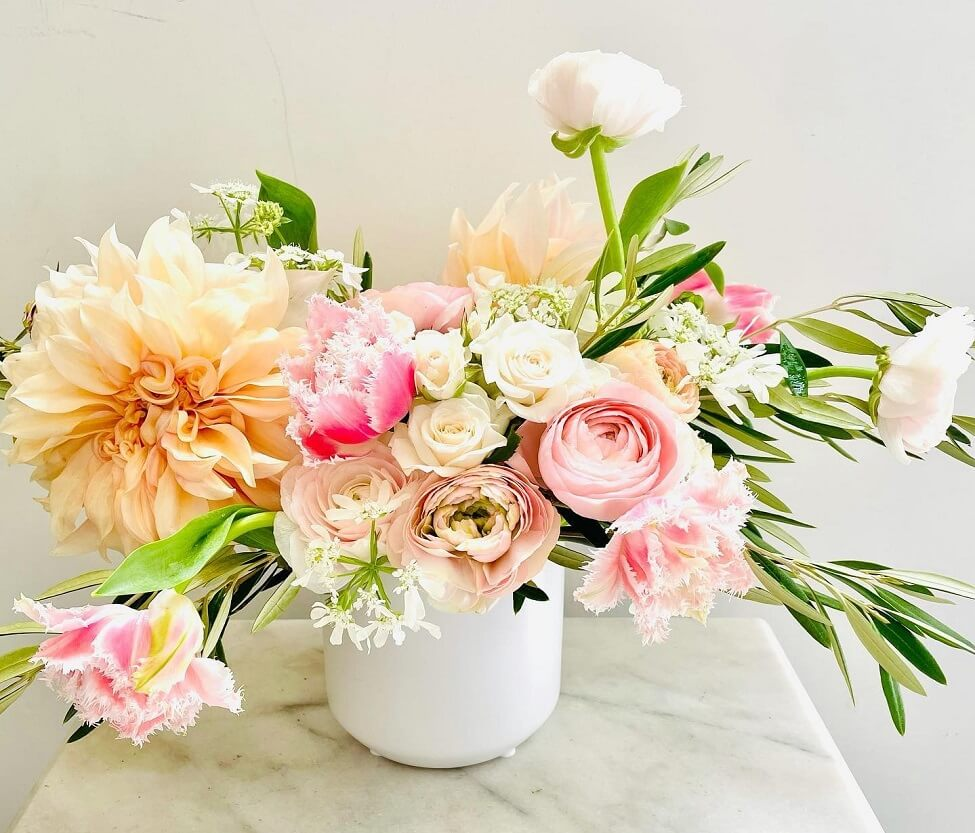 Plantation House Flowers for Delivery in Sunset Park, Los Angeles