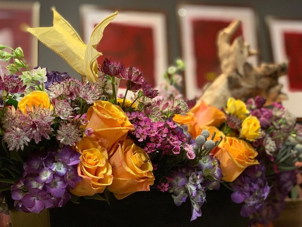 Tailored Twig Flower Delivery in Tampa, Florida