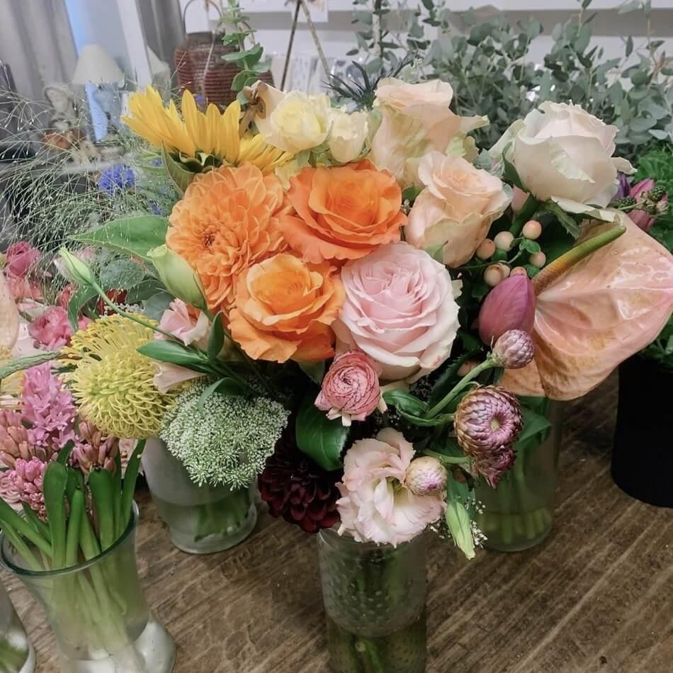 Dandelion Flowers & Gifts in Oakland, CA