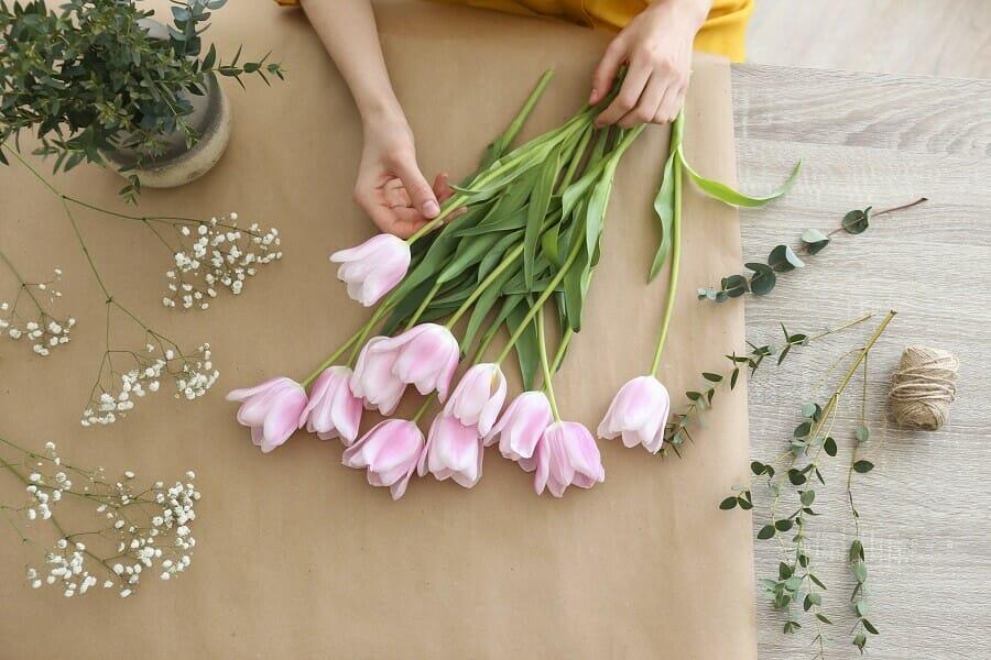 Preparing the Fresh Cut Flowers at Home