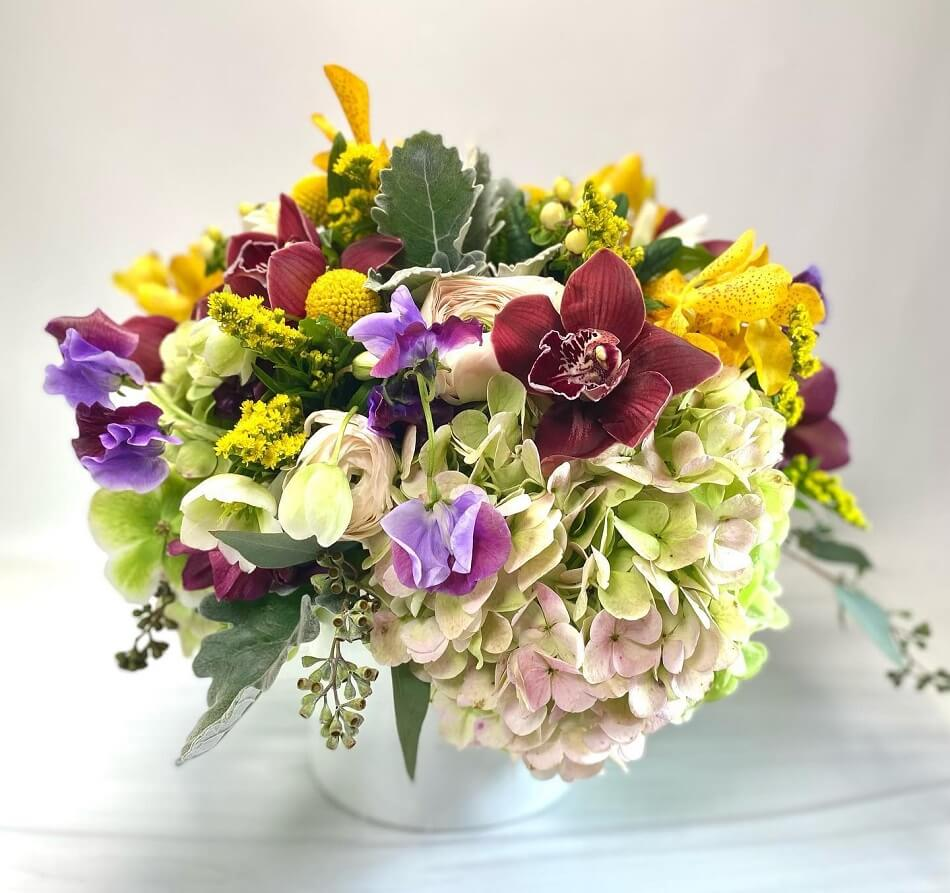 Ariston Flowers & Boutique in Chelsea