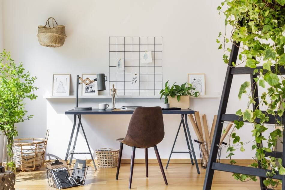 About the Office Desk in Feng Shui