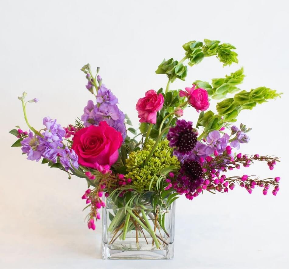 Bou•quet flower delivery in Omaha, Nebraska