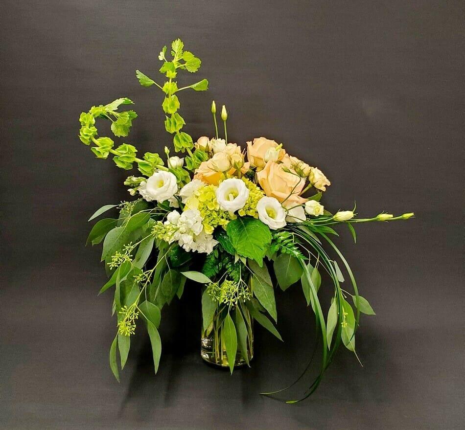 Dean's Designs Flower Delivery in Wichita, Kansas