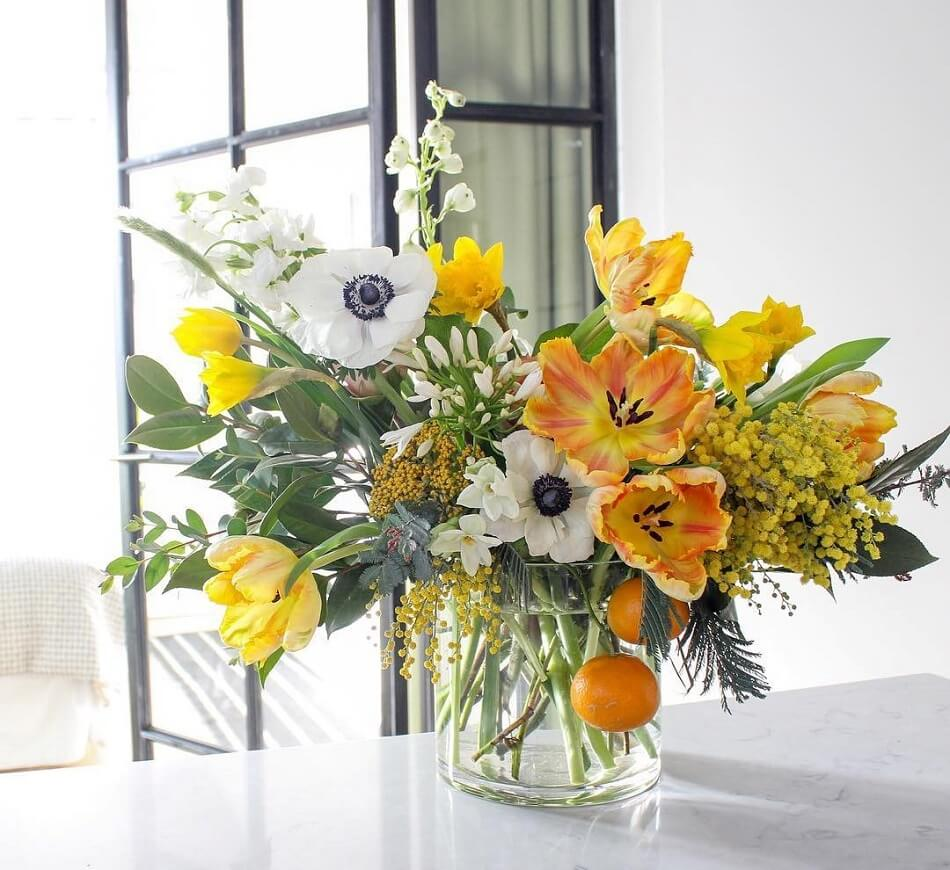 Field & Florist Flower Subscription Delivery in Chicago