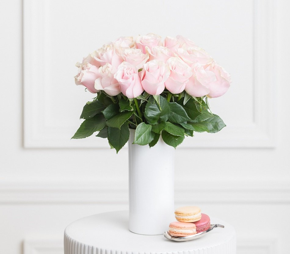 Ode à la Rose flower delivery service in California.