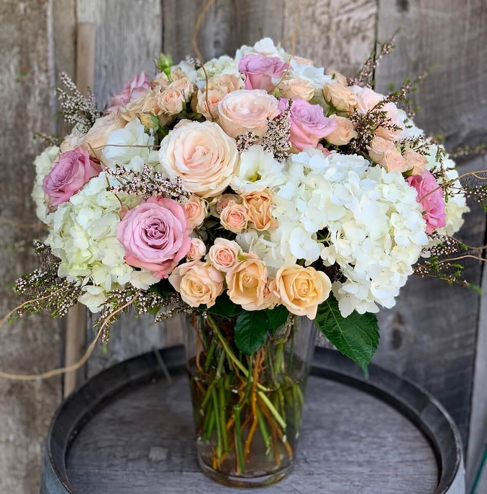 Sea Lily Flower Arrangements for Weekly or Monthly Delivery in Los Angeles