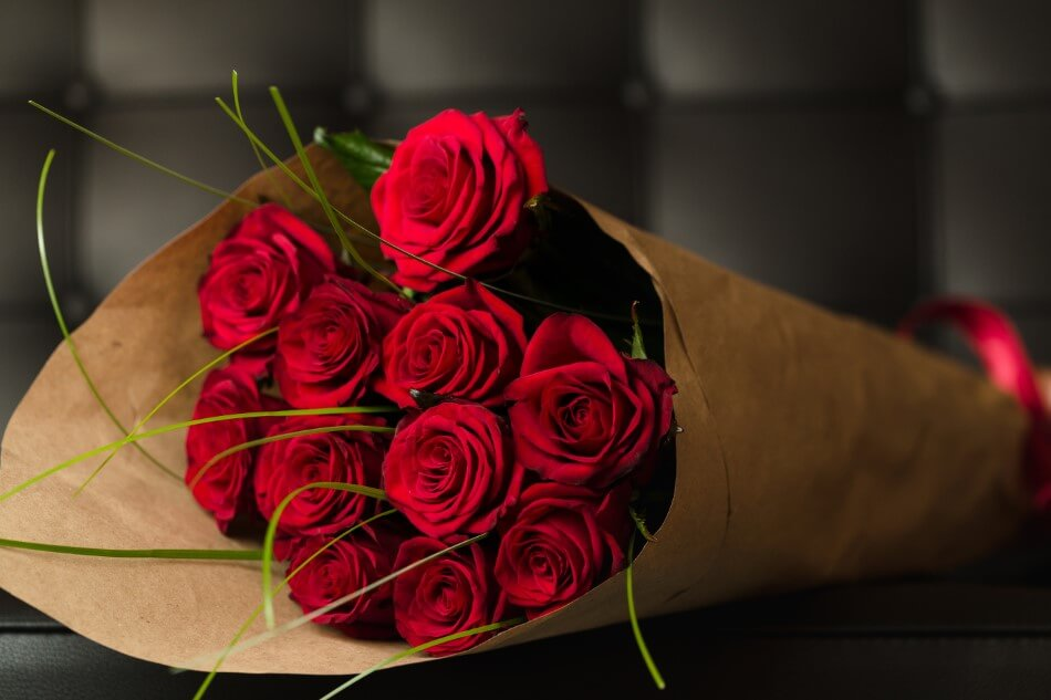 The Most Suitable Gifting Occasions & Uses of Red Flowers