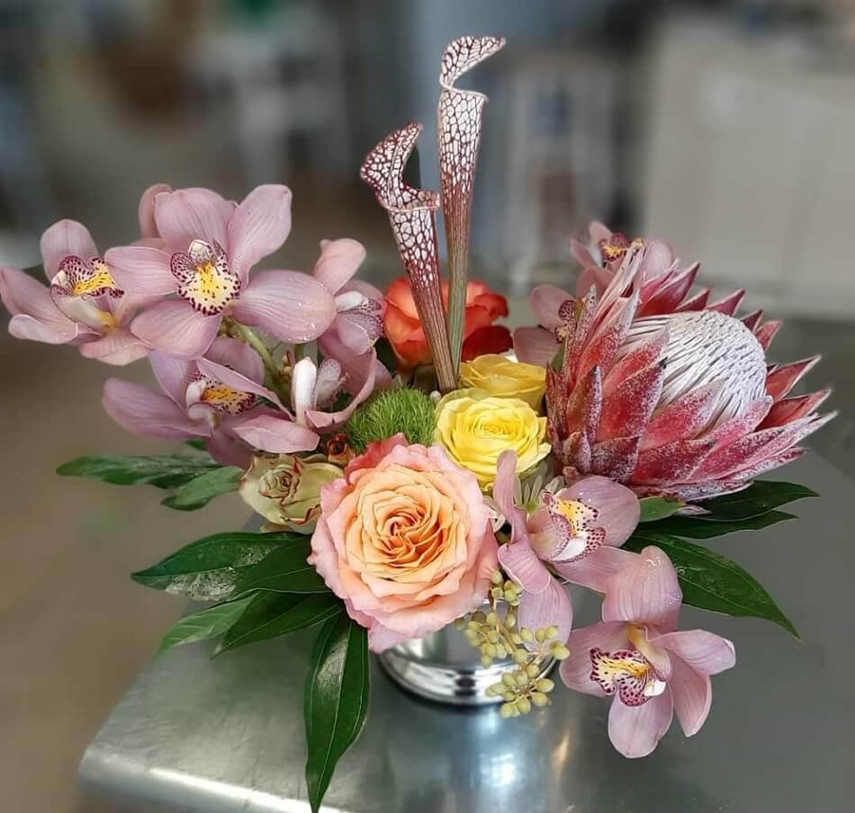 Vase to Vase Flower Delivery in Cleveland, Ohio