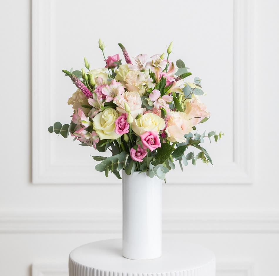 Ode a la Rose Flower Subscription Service
